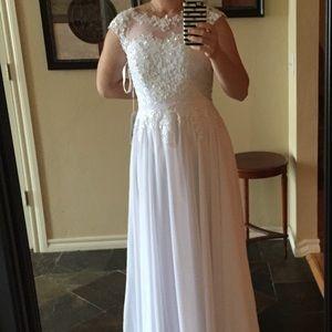Wedding dress/white formal